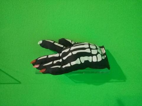 """""""指甲化""""了的手套"""