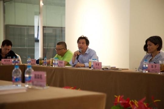 中国艺术研究院教授、批评家王端延在座谈会上发言