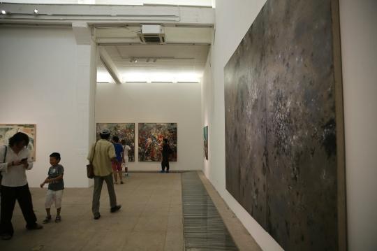 本次展览由社会学艺术史家曹星原策划