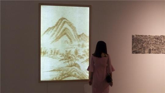 张秋实 《一纸云山—米氏云山10》 149×105cm 灯箱装置 2012