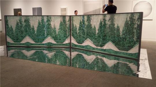 王海龙 《一吨风景》 240××8×116cm 绘画装置 2016