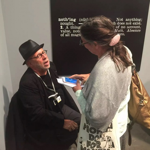 从极少主义到观念艺术,绝对有说服力的四位大师:Frank Stella,John McCracken,Sol Lewitt,Joseph Kosuth,最后一张我猜测是Kosuth本人。