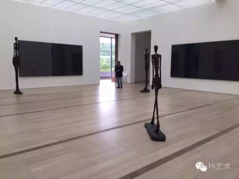 贾科梅蒂&里希特,一个在地上,一个在墙上;一个在走,一个在看@贝耶勒基金会美术馆( Beyeler Foundation) 大师不再了,作品还是会对话,策展人就是那个灵媒人。