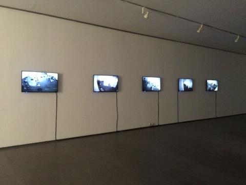 展览二层的监控影像