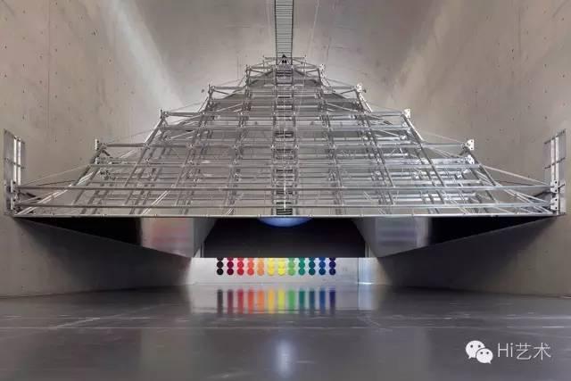 奥拉维尔·埃利亚松 《开放的金字塔》 装置 2016