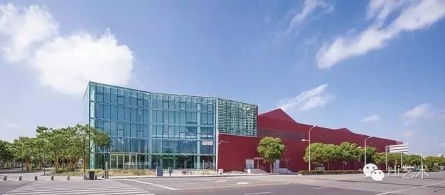 位于上海徐汇区丰谷路35号的余德耀美术馆