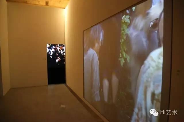 """""""踪迹:勒梅特夫妇的国际影像收藏""""展览现场"""
