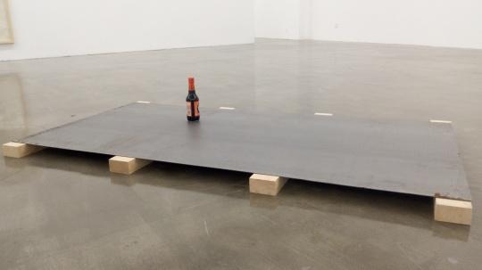 朱金石 《酱油公案》 100×200cm 老抽、铁板 1993
