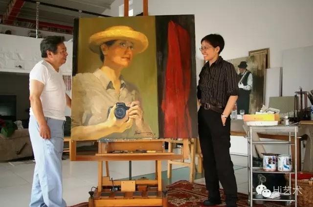 数十年不画人物的朱乃正于2007年重新开启人物画之门,以曹星原的肖像作了《门》一画