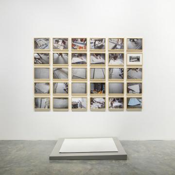 刘建华 《白纸》 120×90×0.5cm瓷2012-2016