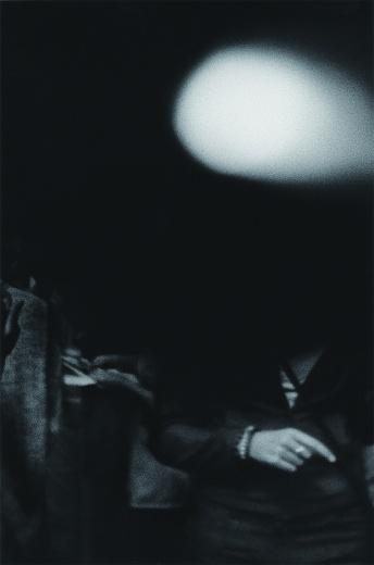 Vanguard画廊 有机·奥诺黛拉 《如何制造珍珠No.19》 Ed.5 218×155×5cm 银盐打印于纸基相纸 2000 参展作品价格为2万-16万不等