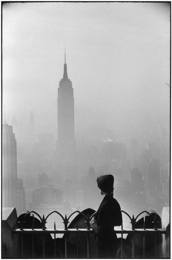 Beetles+Huxley Elliott Erwitt,New York city,1955