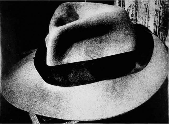 三影堂(Three Shadows + 3) Daido Moriyama,Light and Shadow,27.9×35.6cm,Silver gelatin print,1980