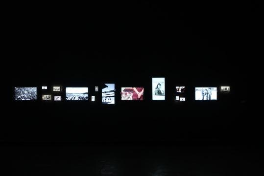 《残影》系列中,一组关于北京的时空记忆.
