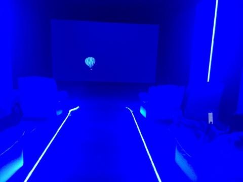 展览现场的视频放映室