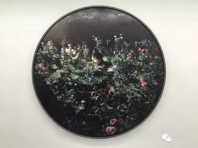 王岱山《浮光之九》 直径180cm 布面油画 2012