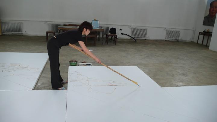 2008年 喻红为作品《天梯》起稿