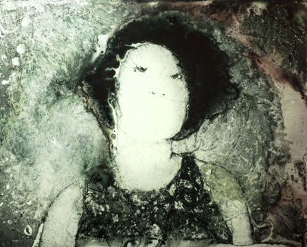《肖像 1》,2015,胶片,综合材料,81×101 cm