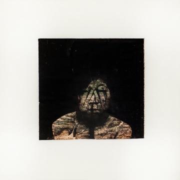 《石头上的肖像 2》 2012,胶片,综合材料,15×15 cm