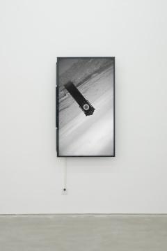 """萧潇 《不息》 单屏幕录,黑白,有声 10'05"""" 2015"""