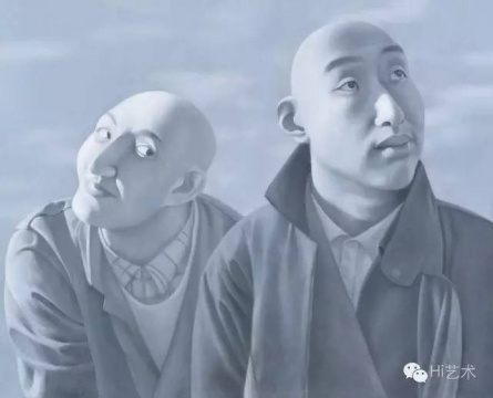 Lot 3744 方力钧 《系列一之五》 81×100cm 布面油画 1990-1991  估价:1500万-2500万元    郑林:这幅作品代表了方力钧早年的典型符号。光头系列带有现世主义风格,也代表了中国早年绘画的先锋观念。画面的品相看起来也很完整,这是一件美术馆级别的代表中国历史文献的收藏。  伍劲:真没想到湖南收藏家收藏的这件方力钧的作品会在市场上流通,我也不知道这里有什么特殊的安排。这件作品显然是方力钧屈指可数的在市场上流通的早期的现世主义风格的作品,他1990年前后完成这批作品在以往的拍卖中都创造出高价,所以这件作品的估价并不便宜,但应该还是会吸引到收藏中国当代绘画历史的收藏家。  林松:这件作品包括了很多重要的国际展览和出版。方力钧的玩世、不屑、反讽,是一种消解,也是一种反馈。方力钧从集体话语、宏观叙事转向个人的立场和态度,也是他在美术史上的贡献,这件作品也是进入美术史收藏的作品,准确地折射了90年代时期青年人的生存状态。