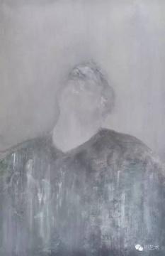Lot 3774 毛焰 《托马斯》 200×130cm 布面油画 2007  估价:200万-300万元    唐丽莉:《托马斯》系列一直是毛焰比较被市场追捧和喜爱的题材,表象上的去中国化以及笔触的细腻、让《托马斯》系列完全展现了毛焰对绘画的理解和控制,他的画没有一笔多余,颜色和油彩仿佛很淡很少,内容和情感却很浓很细节。我总是觉得毛焰能够画出一个人灵魂的样子,这张若是这个低预估的底价,性价比实在太高了。