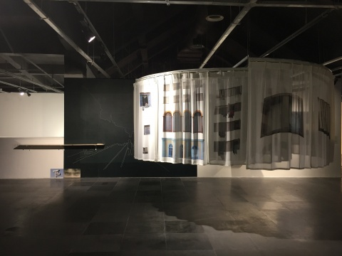 杨圆圆 《两个摄影师的对话:V梦》 150×100cm 收藏级数字微喷 2016