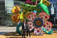 草间弥生全球最大体积室外雕塑落户广州
