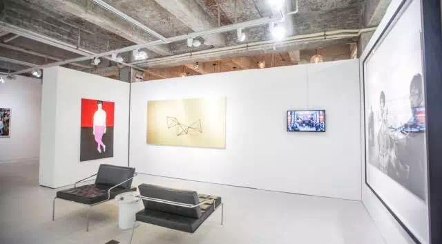 """""""两个时刻:杨锋艺术与教育基金会收藏展""""有空间展览现场"""