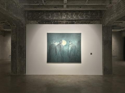 """黄立言个展""""白月光""""展览现场的作品《白月光》"""