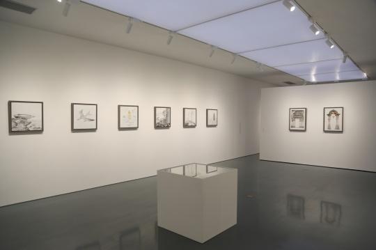 二楼展示了邱黯雄创作的部分手稿