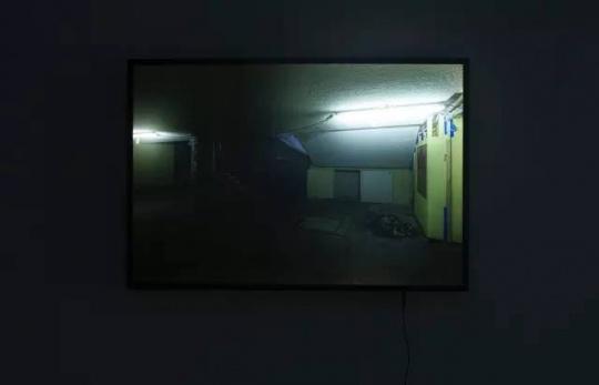 《Time Shadows II 》(时之光影 II)73.5x110cm灯箱片打印、透明亚克力、木框、LED 灯2017