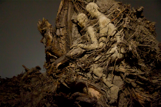 《艮 2》 228×218×130 cm雕塑2016