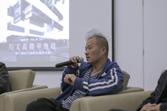 联合策展人、艺术家王庆松在发布会现场