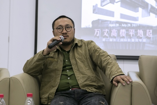 首届长江国际影像艺术双年展获奖者、艺术家宗宁在发布会现场