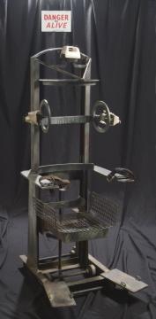 La Silla eléctrica 《电椅》材质 钢铁