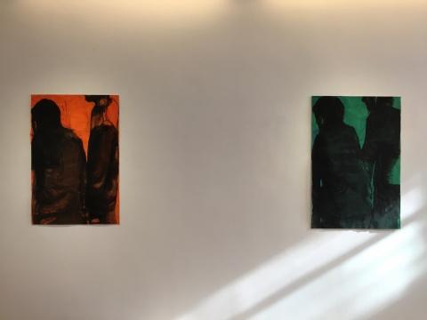 左:Jean-Charles Blais 《12 12 16》 108.5×73cm 纸上水粉、木炭、拼贴、针 2016  右:Jean-Charles Blais 《10 11 16》 112×74cm 纸上水粉、木炭、拼贴、针 2016