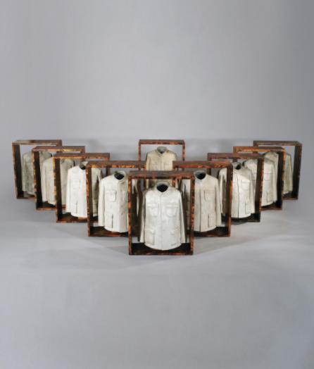 隋建国 《世纪的影子》50×39.5×22cm铝 纸本拼贴木板  成交价:5,780,000HKD