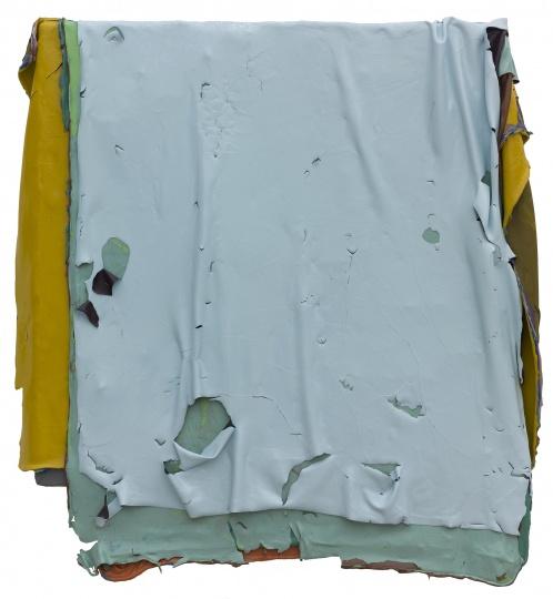 《无题020317》 110x108cm 木板丙烯 2017      一张作品鞠婷通常要一个月才能完成,由于每层丙烯的大小尺寸不同,有的颜料层会超过画布边缘,因此这样的作品只能悬挂在墙面上,无法搁置在地面。鞠婷工作室的白墙上,就挂着几张边缘不规则的作品,延伸出的颜料层,像蜡烛燃烧后流的泪,也像一本被多次翻阅已经泛黄变厚的旧书。一张兵乓球台大的玻璃桌,上面厚厚的一层紫色的丙烯已经可以揭起撕掉,这是鞠婷创作时用来练手的尝试。我猜想要是揭下这么大一张丙烯,那感觉一定超爽。