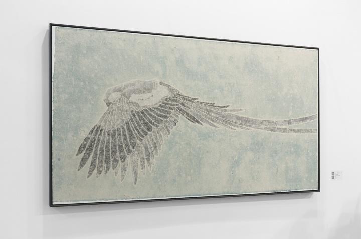 谭军《半天堂》97×180cm 纸本综合材料 2017