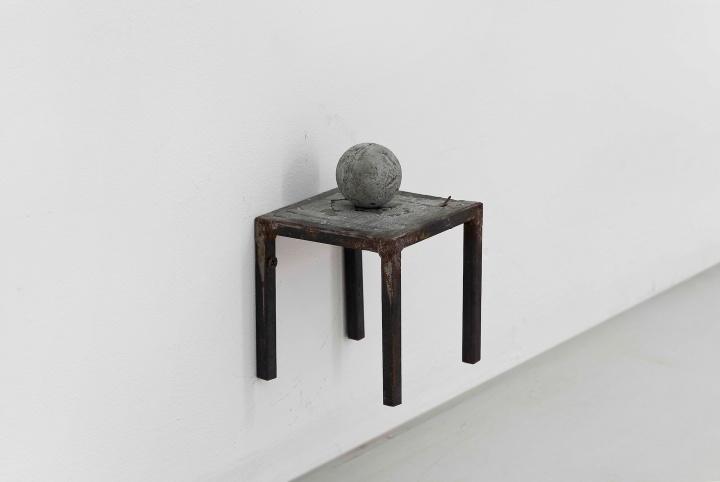 张如怡《桌子-1》10x10x10cm综合材料 2012