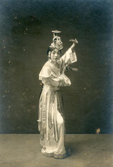 碧云霞《霸王别姬》戏装照20x14cm 银盐纸基1910s