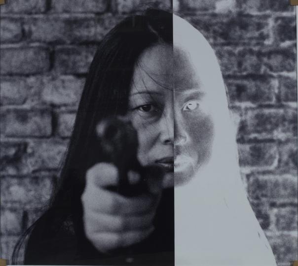 肖鲁《开火》117×128cm 激光数码输出2004