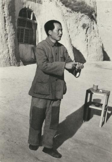 吴印咸《艰苦创业》银盐纸基1942