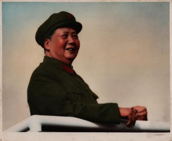 蒋铎《毛泽东接见红卫兵》24x29cm银盐纸基,手工上色1966