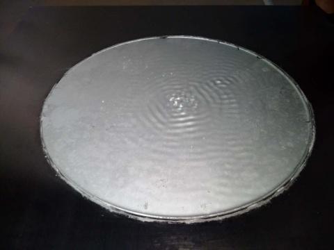 栾佳齐 《克拉尼-涟漪》局部 120×120×30cm 金属纳米水、声音振动装置 2016