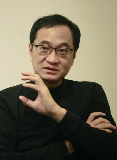 策展人王嘉骥 摄影:陈建仲