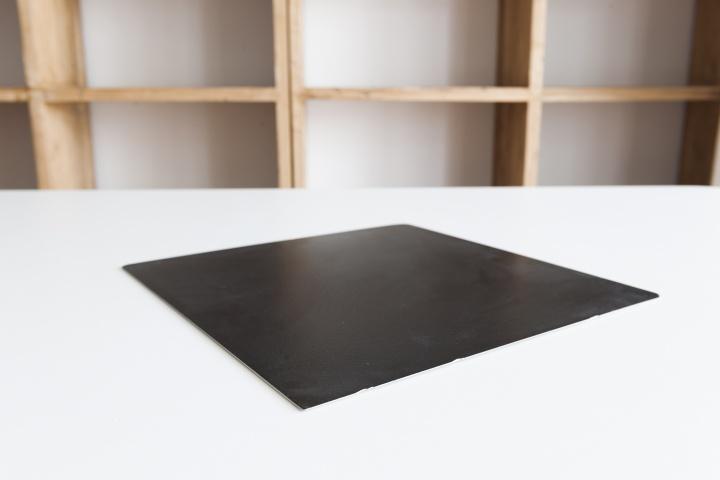 《脱相》 30×30×0.2cm瓷砖 2017