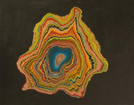 """嶋本昭三 《黑色涡流》 183×231cm 瓷漆 画布 裱于木板 1965  成交价:1746万港元(估价:1300万-1800万港元)      """"融艺""""专场中,除了美国艺术家赛·托姆布雷一件《无题》、日本艺术家村上隆一件《NGC 2371-2(双子座星云)》流标外,剩余22件均找到了新买家。""""融艺""""中的中国艺术家(含港澳台)均找到了新买家。"""