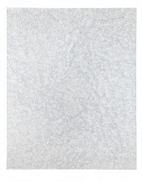 """草间弥生 《无限之网 (FUMW)》 161.9×130.1cm 压克力 画布 2007  成交价:1026万港元(估价:800万-1200万港元)      香港市场已开始走在全盘西化的路上?      从今年3月份香港巴塞尔及4月份香港苏富比春拍的反应来看,西方当代艺术的风潮已经愈演愈烈,无论一级市场还是二级市场,毫无疑问都是国际化的""""名利场""""。那么佳士得的""""泛亚洲化""""是""""全盘西化""""的第一步棋吗?    佳士得亚洲区副主席暨亚洲二十世纪及当代艺术部国际董事张丁元在拍前接受采访时表示:""""亚洲艺术如何能进入国际化,进入全球顶尖收藏家的系统,是佳士得一直以来'泛亚洲'路线的终极目标。因此如何将亚洲艺术更大程度地与全球市场进行连接,也是佳士得的使命。佳士得亚洲二十世纪及当代艺术部门与西方战后当代艺术部门共同合作推出'融艺',将东西方当代的视野融合在一起,将不同背景的作品探讨的题材、问题、历史进行一场对话。对于亚洲艺术来说,被理解、认同后才能进入下一个更广泛的位置。""""关于西方作品大规模进入亚洲市场,张丁元还表示:""""这个趋势是收藏家的动作而来,而不是佳士得引领而来的。在某个程度上来说,我们是在呼应市场。现在很多藏家都强调'收藏的国际视野',不光是拥有国际作品,更重要是寻找国际认可。""""而佳士得亚洲区总裁魏蔚也表示:""""藏家对这场首次融汇西方及亚洲艺术品的创新尝试再次热忱回应……这场拍卖是佳士得的一小步,但也是亚洲与西方交融的一大步。"""""""